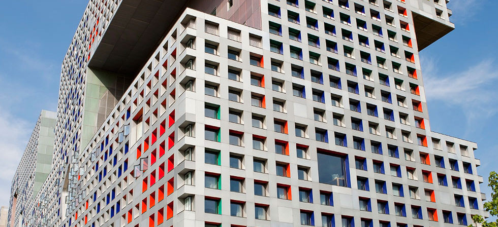 MIT-campus-building
